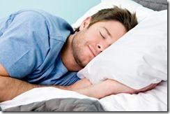Dormir sur le côté gauche améliore la santé