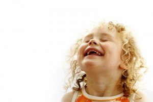Les enfant rient jusqu'à 400 fois par jour