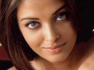 Shukra Sara donne un regard empli de douceur