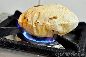 Faire gonfler le chapati sans le brûler