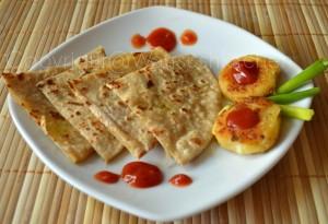 Une assiette de parathas