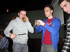 "Le ""beej drinking"" attire les jeunes"