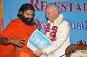 Swami Ramdev et le Professeur Tony Nader