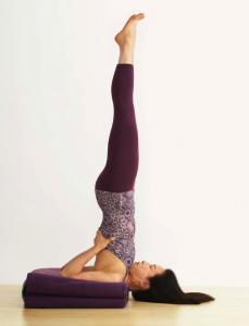 Les postures inversées équilibrent Vyana Vata