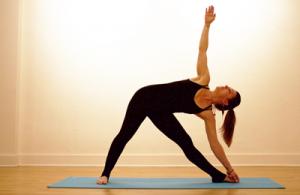 Trikonasana, posture du triangle